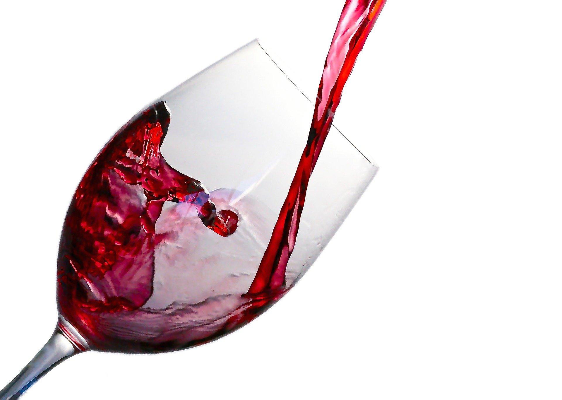 Co s vaším tělem udělá sklenka vína? Podporuje hubnutí?